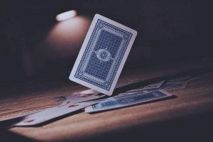 Strategi Menang Bermain Judi Poker Online Uang Asli